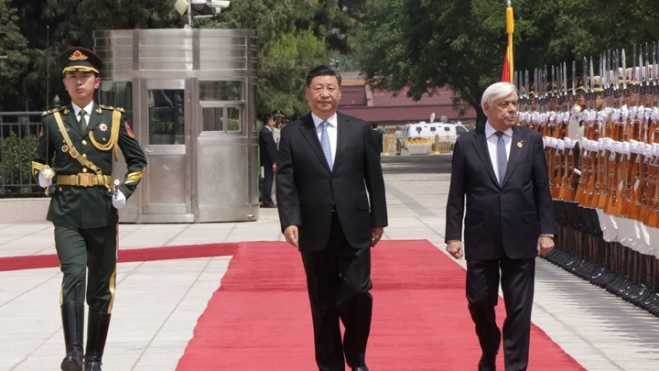 President Pavlopoulos meets with Chinese President Xi Jinping