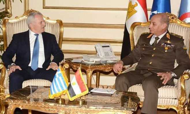 Greek and Egyptian defence ministers discuss defence cooperation