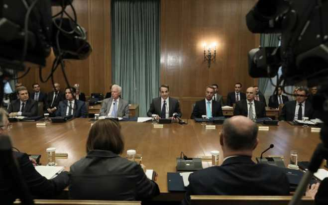 Mitsotakis at inaugural Cabinet meeting: Ministries must meet 6-mo targets