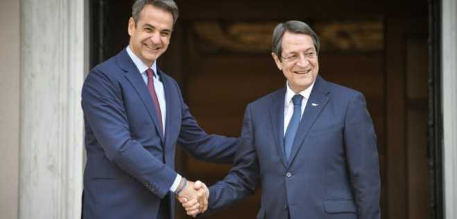 PM Mitsototakis meets with Cypriot President Anastasiades in Athens