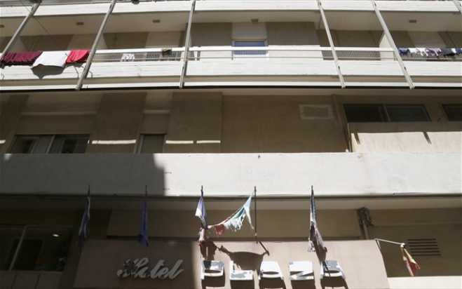 Well-known squat of closed Athens hotel abruptly ended