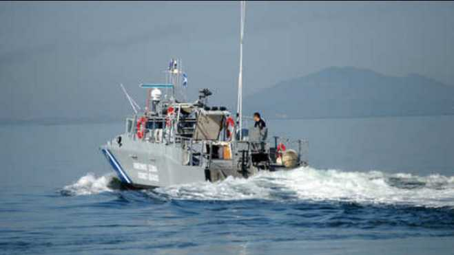 Hellenic Coast Guard rescues 55 refugees off Farmakonissi