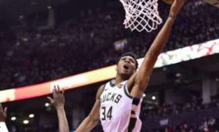 """Giannis Antetokounmpo posts """"monster"""" stats against Wizards (video)"""