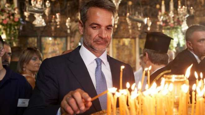 Prime Minister Mitsotakis attends Tinos services, commemoration for battleship Elli
