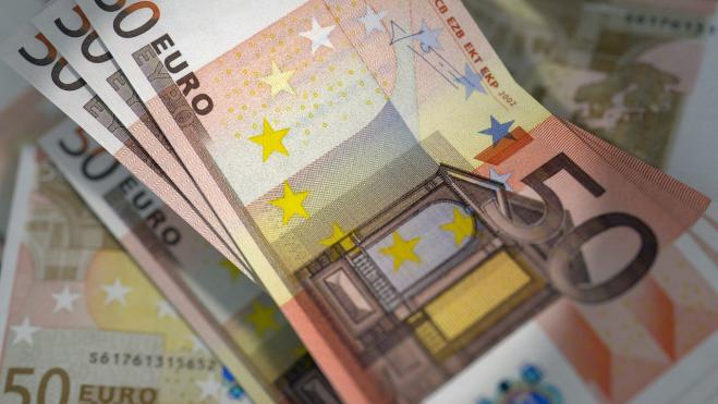 Greek 30-year bond issue attracts strong demand
