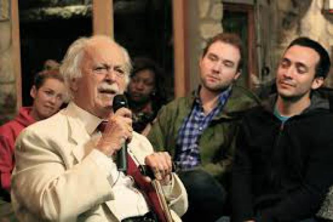 "Nelson Mandela's Greek lawyer, George Bizos, ""passed away"" at the age of 92."