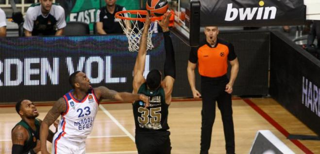 Panathinaikos dominate Turkish team Anadolu Efes in Euroleague (86-70)