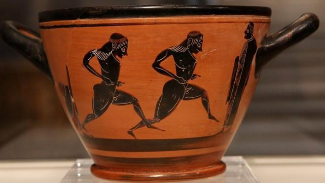 Ancient cup, a prize to first Marathon winner Spyros Louis, returns to Greece