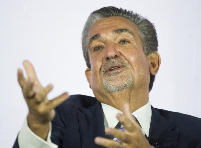 Greek of the week: Ted Leonsis the self-made billionaire that hosted Mitsotakis at Wizards game