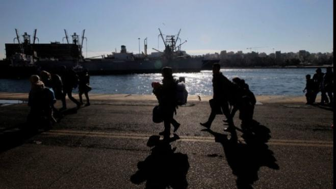 A total of 367 migrants and refugees from Mytilene arrived at Piraeus port