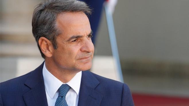 PM Mitsotakis speaks with Pope Francis on pandemic, environment
