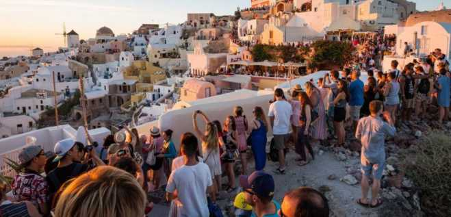 Mykonos and Santorini record highest foreign visitor arrivals at airports in 2019