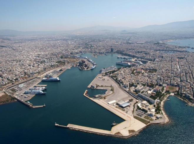 Piraeus Port to revamp with €140m backing from EIB