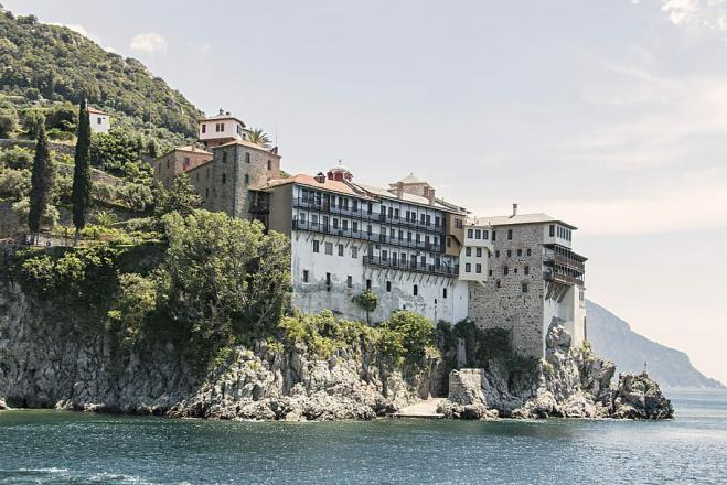 Mt. Athos extends shut-down to visitors until April 20