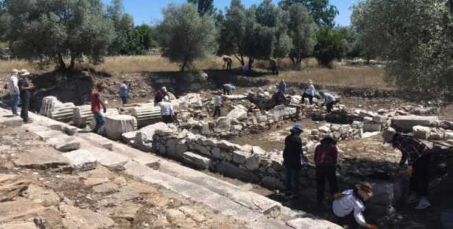 Ancient Greek processional 'Sacred Road' discovered in Turkey