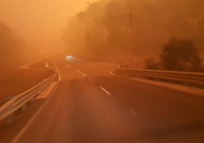 'Everything turned black in the middle of the day' says Greek-Australian who lost his house in the NSW fires