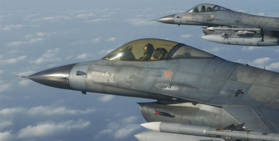 Greek F-16s in exercise on Cyprus (vid)
