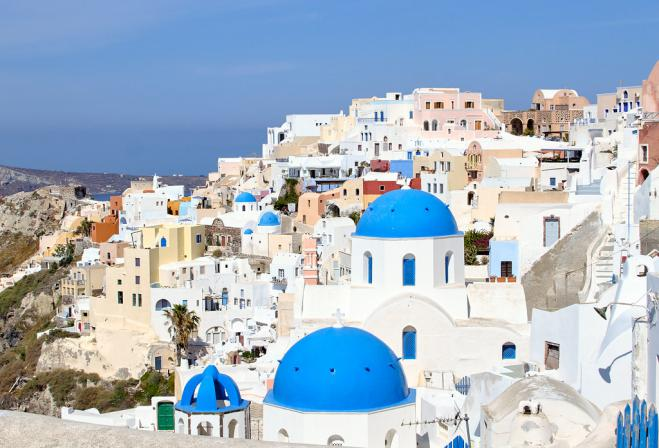 "Tourism Ministry launches ""Plastic-Free Santorini"""