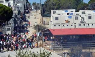 European Commissioner: Greece responsible for situation of refugee camps in Aegean islands